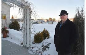 Ralph Olson's home beside the leaking well in Calmar, Alta.~ Edmonton Journall photo